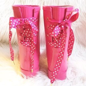 Women's Pink boots with polka dot laces